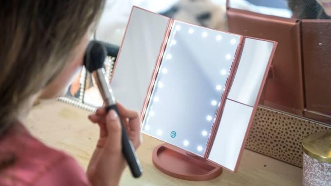 Deweisn Tri-Fold Lighted Vanity Makeup Mirror